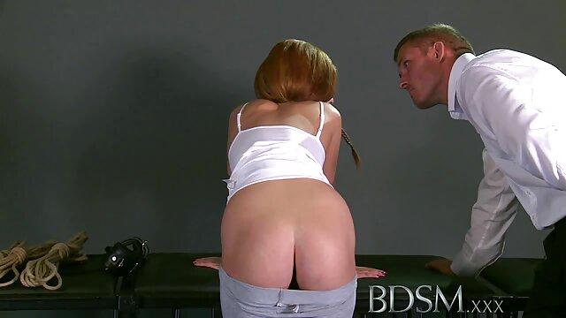 Chica porno en español latino gratis caliente se mete un consolador en sus dos agujeros