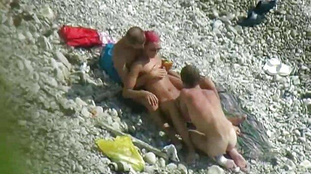 Mamá videos eroticos en español latino tetona disfruta de su cuerpo