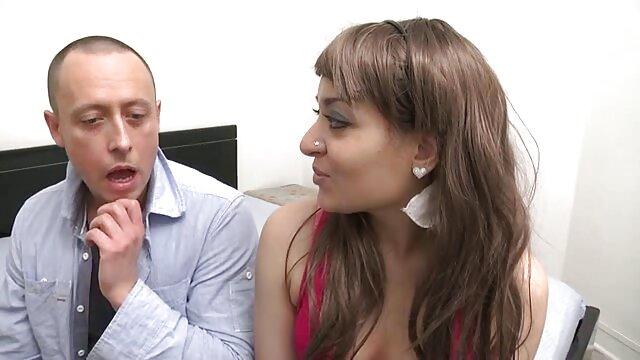 Pareja rusa porno español l amateur follando en el baño