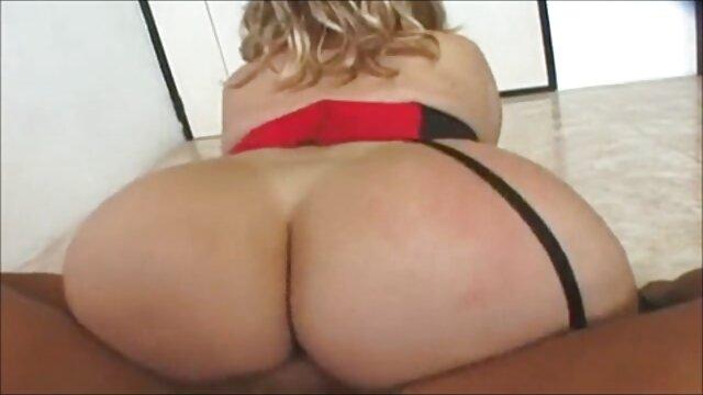Campesina sexo casero en español latino tetona
