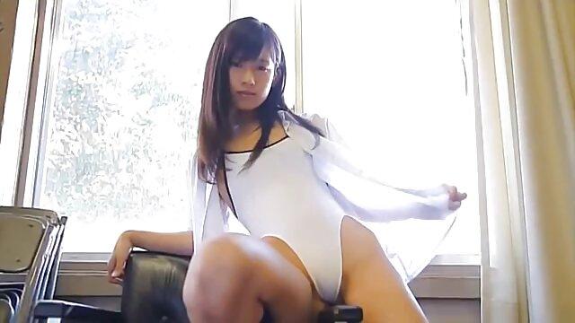 Linda chica videos porno gratis español latino en bikini