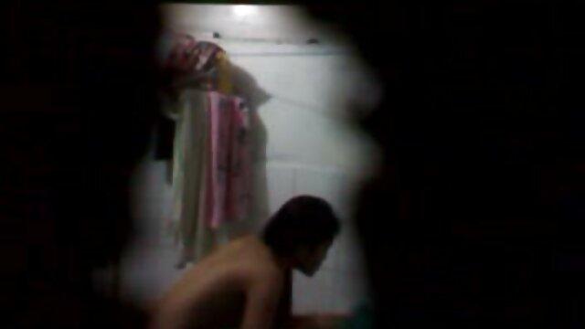 Samira follada en sexo gratis español latino la habitación del hotel