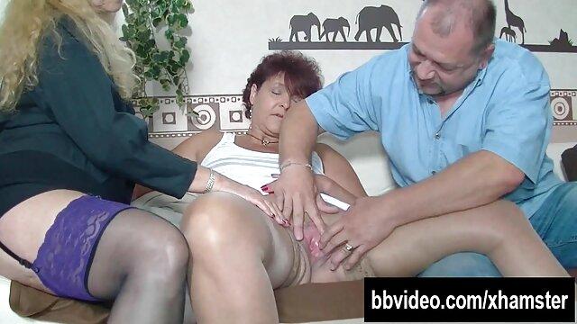 Ella ver porno en audio latino chupa su polla