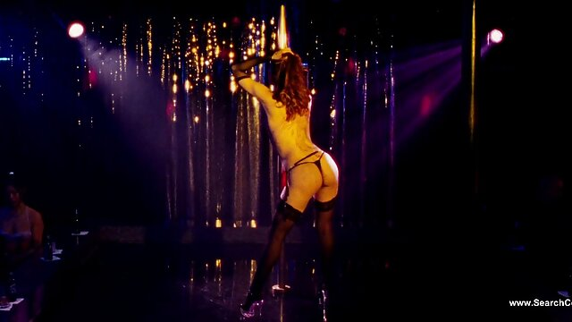 Sexo porno latino espanol en la piscina rubia alemana