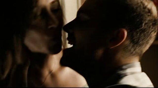 Stella Larocca follada ver porno en audio latino analmente
