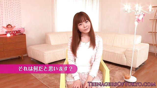 La miel japonesa Karin sexo hd latino Kusunoki en la bañera follando una polla
