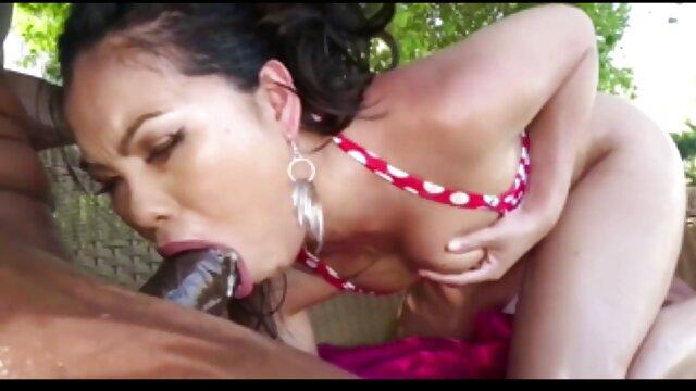 Asiático amateur ver hentai audio latino con un extraño
