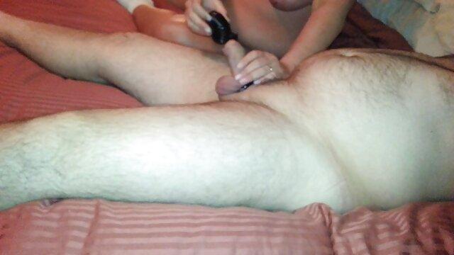 Adolescente latina de sexo español latino tetas naturales lamida y follada