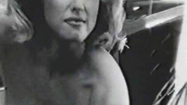 Taija porno casero latino en español Rae toma una cara llena de baba bajo el aguafiestas de Annie