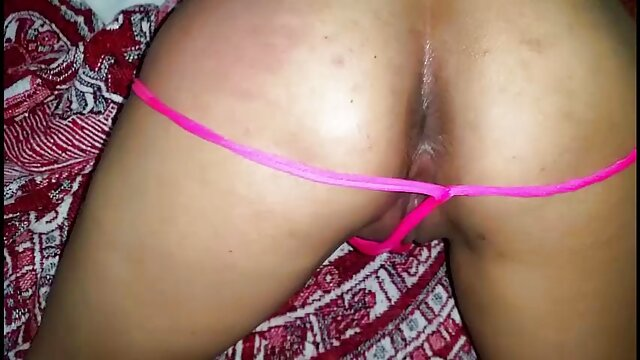 Novia de porno idioma español latino pelo largo se golpea